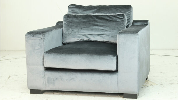 Loveseat - Outlet 966